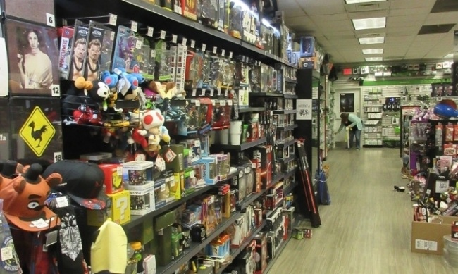 Icv2 Gamestop Converted 200 Stores To Be 50 Collectibles